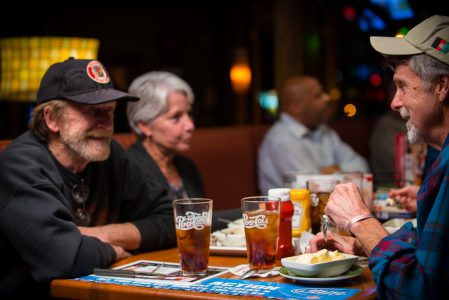 20121111_AppleBees_Vets_0159