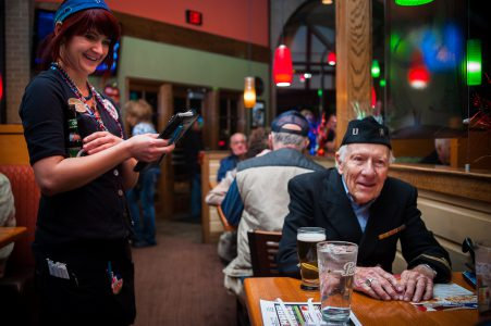 20121111_AppleBees_Vets_0194