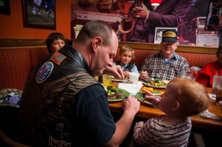 20121111_AppleBees_Vets_0226